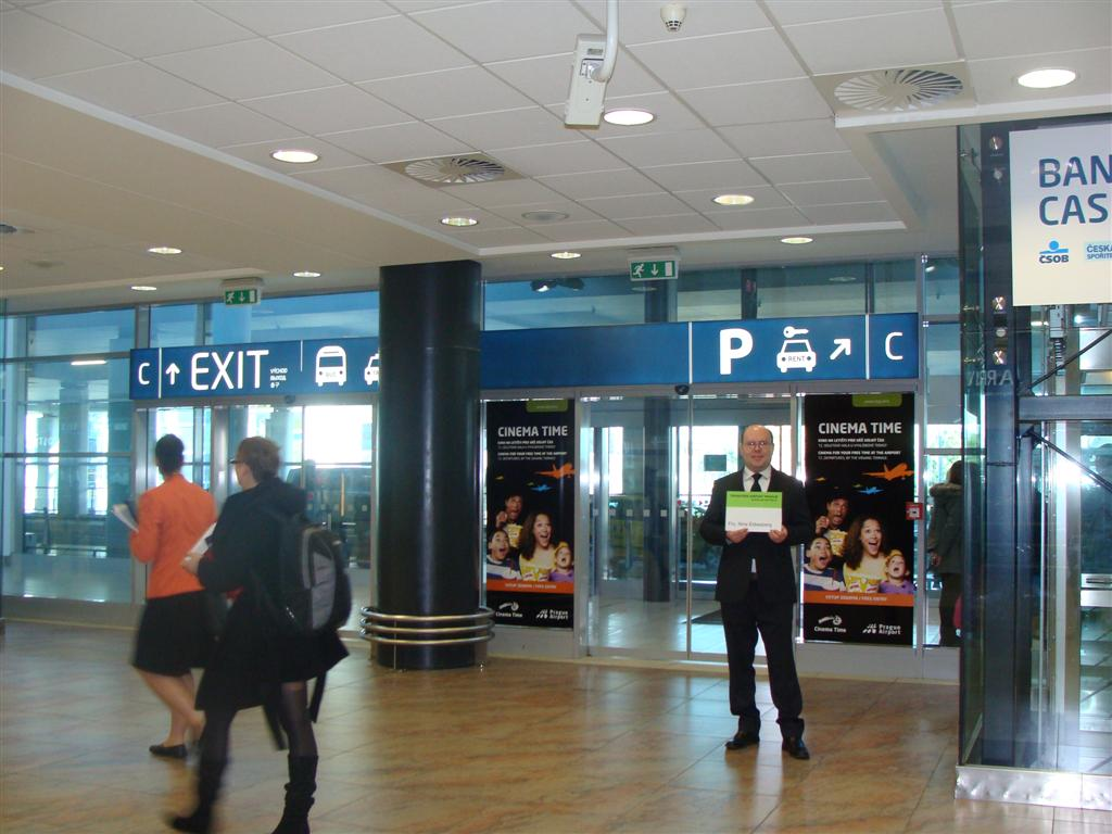 Luton Airport Taxis Ltd Offer Free Meet And Greet Service From Luton